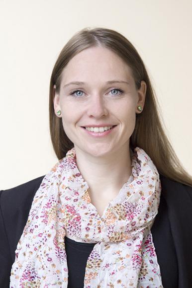 Dr. Karina Höveler